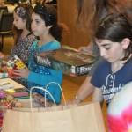 Jewish volunteers bring Christmas joy to homeless shelter