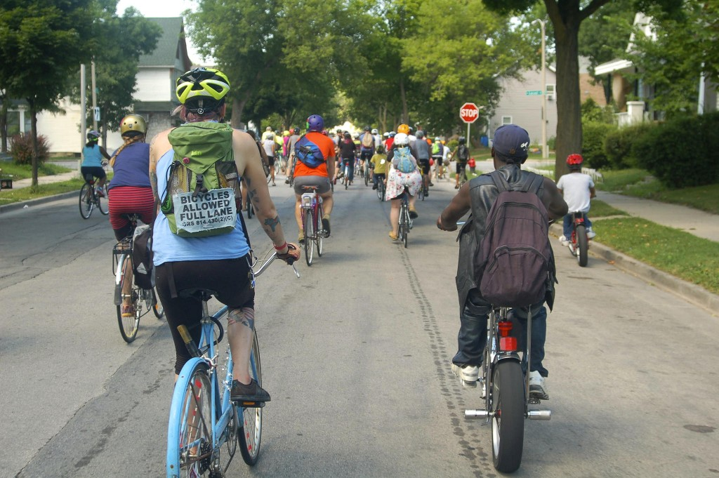 Residents of Riverwest and Harambee shared the streets and admired sites in both neighborhoods during the 53212 Unity Ride. (Photo by Allison Dikanovic)