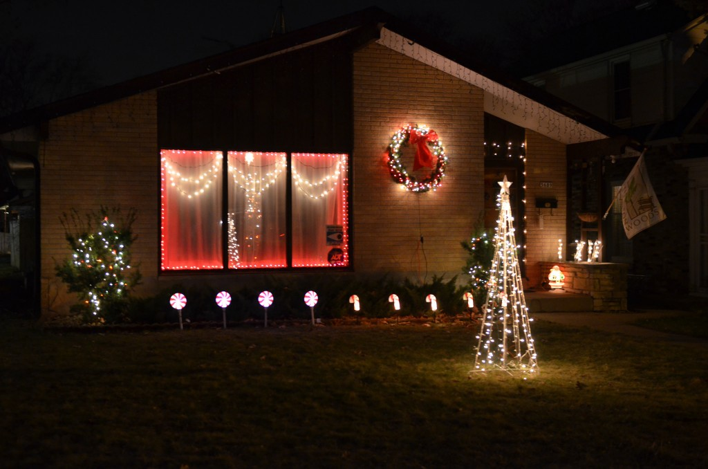 Christmas lights adorn a house in Thurston Woods. (Photo by Sue Vliet)