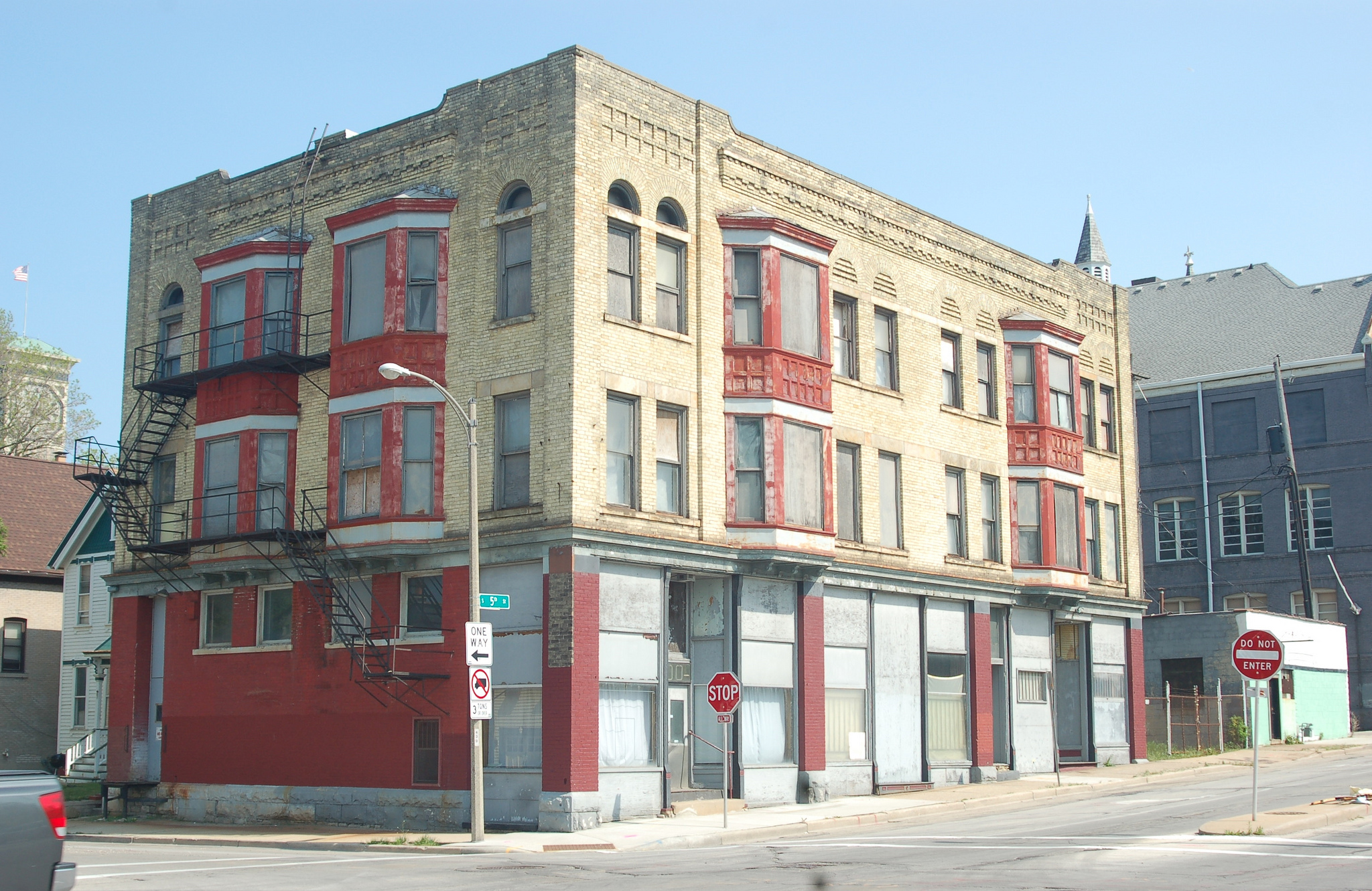 Arts @ Large closed on the purchase of this building at 1100 S. 5th St., on the corner of Washington Street. (Photo by Andrea Waxman)