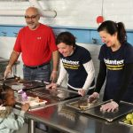 Auer Avenue School draws well-known chef for pilot hot breakfast program