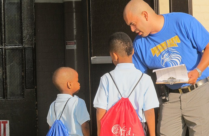 Students enter Hopkins-Lloyd on the first day of school in 2012. (Photo by Kenya Evans)