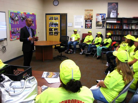 Kevin Turner addresses neighborhood ambassadors at Journey House. (Photo by Rick Brown)