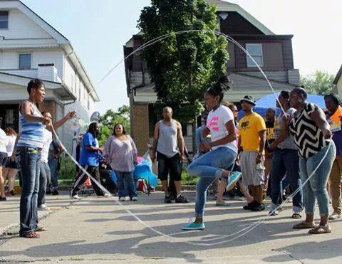 Ebony Haynes, founder and CEO of Double Dutch to Dreams, jumps rope with community members. (Photo courtesy of Ebony Haynes)
