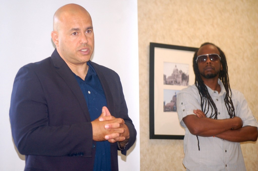 Alderman Jose G. Perez encouraged men at the My Brother's Keeper Neighborhood Summit to take advantage of resources available to help them turn their lives around. (Photo by Edgar Mendez)