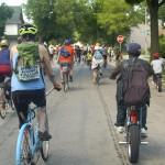 Family bike ride unites Harambee and Riverwest