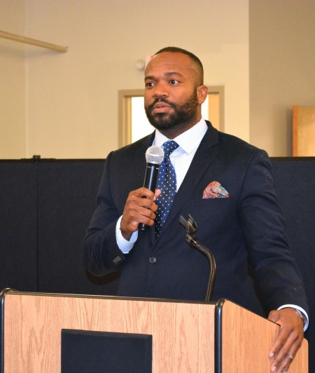 Ald. Russell Stamper II offers his support for a revitalization plan for Lindsay Heights. (Photo by Marlita A. Bevenue)