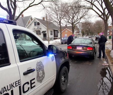 Milwaukee police stop a vehicle. (Photo by Mark Doremus)