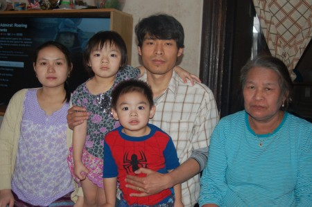 From left, Naw Day; Day Ball Ball, 4; Ball Nay Htoo and his mother, Kor Yeh. Front, Moon Htoo, 2. (Photo by Andrea Waxman)
