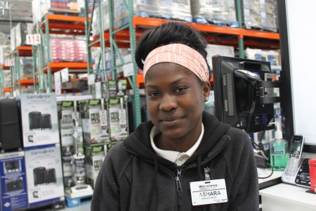 Ashara Rogers takes the bus from Sherman Boulevard and Roosevelt Drive to work at Costco in Menomonee Falls. (Photo by Matthew Wisla)