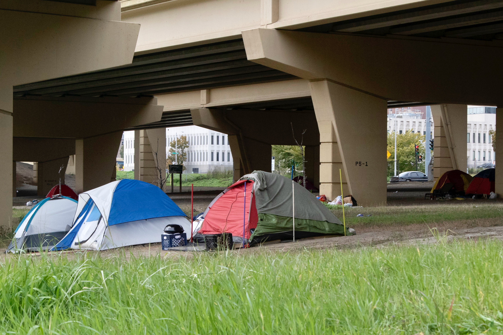 A count says homelessness has significantly dropped in Milwaukee. Those on the frontlines see a different trend.